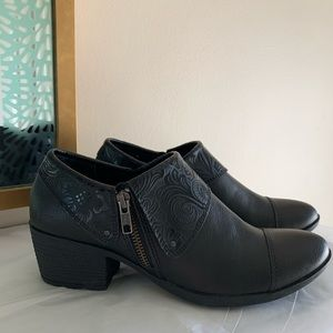 New (Without Tags/Box) B.O.C. Black Bootie